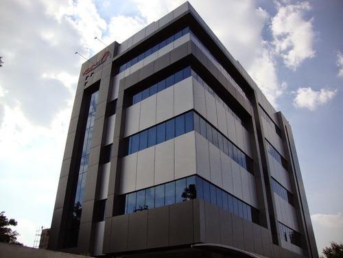 نمای مدرن کامپوزیت ساختمان